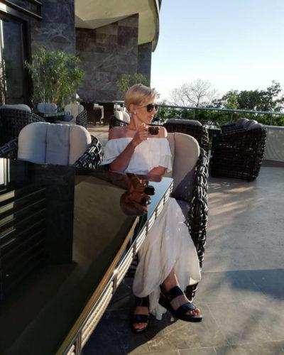 обеденная группа САНТОРИНИ из искусственного ротанга на летней веранде отеля МРИЯ фото